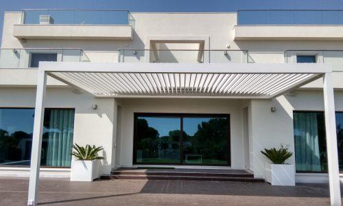 House Entrance with Bioclimatic Pergola Biossun in Puerto Santa Maria Cadiz