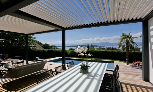 Outstanding Terrace with Bioclimatic Pergola