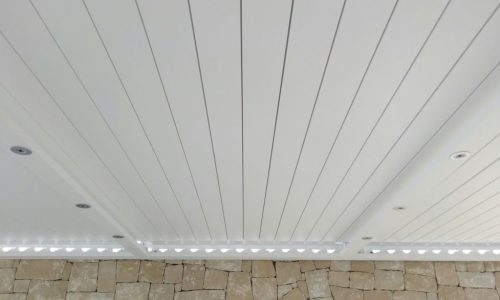 Bioclimatic Pergola with Closed Slats is Completely Waterproof