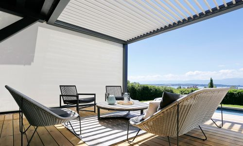 Bioclimatic Pergola with Side Screen for Wind Protection