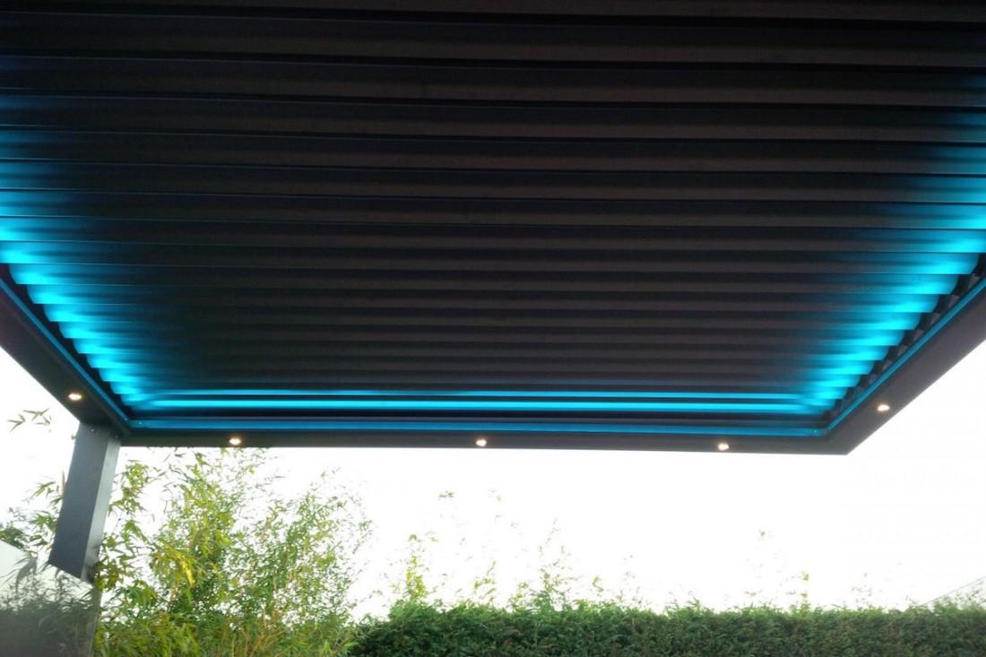 La pérgola Biossun de Asturias está instalada con el acesorio de iluminación led