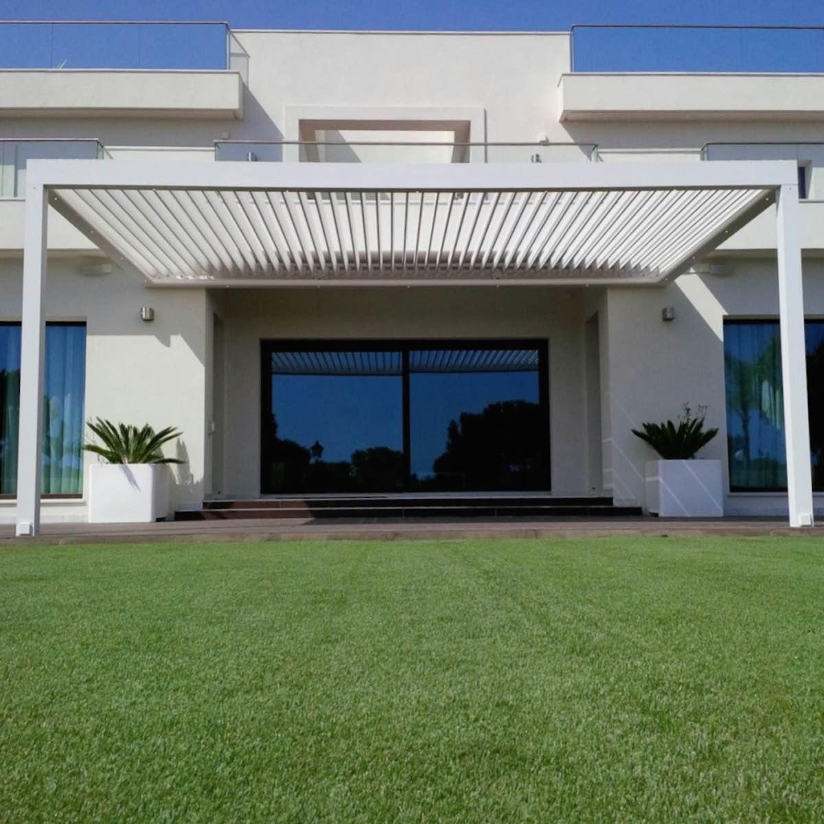Instalación de pérgola Biossun en Cádiz por Outdoor Concepts