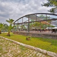 Pérgola de techo móvil Suntech para espacios exteriores
